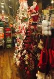 Gemischtwarenladen am Weihnachten Stockfoto