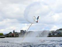 Gemma Weston σε Flyboard Στοκ εικόνες με δικαίωμα ελεύθερης χρήσης