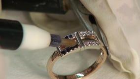 Gemme della pittura acide in gioielli video d archivio