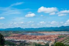 Gemodelleerde bruinkool mijnbouwelektrische centrale in Thailand royalty-vrije stock fotografie