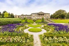 Gemodelleerde tuinen in Tatton-Park royalty-vrije stock afbeeldingen