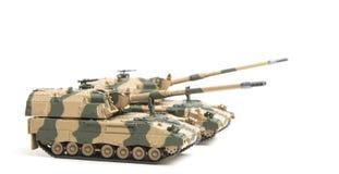 Gemotoriseerde die artillerie op witte achtergrond wordt geïsoleerd Royalty-vrije Stock Foto