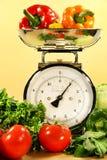 Gemüse auf Kücheskala Lizenzfreies Stockfoto