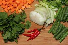 Gemüsemehrlagenplatten-Abschluss oben Lizenzfreie Stockbilder