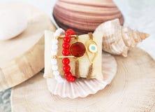 gemstone bransoletki grecka biżuteria - korala i agata kamienie - Obraz Stock