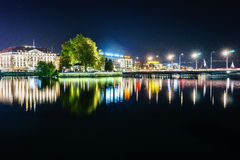 Genève la nuit, Suisse Photographie stock libre de droits