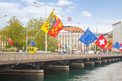 genève Pont à travers la rivière le Rhône Photo libre de droits