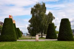Genève Schweiz - JULI 12, 2014 Parkera på stranden av L Arkivbilder