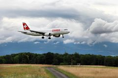 Genève Schweiz - JULI 12, 2014 Schweizisk internationell luft Lin Royaltyfri Bild