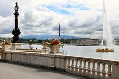 Genève Schweiz - JULI 12, 2014 Stråld'Eau på sjöGenève, S Arkivfoton