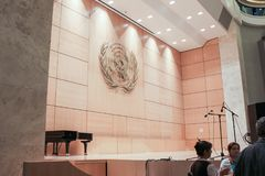GENÈVE SCHWEIZ - SEPTEMBER 15 - Hall av plenarsammanträden Royaltyfri Bild