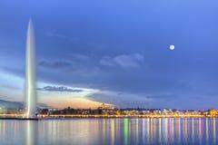 Genève sjö med den berömda springbrunnen, Schweiz, HDR royaltyfri fotografi