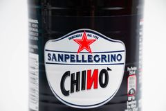 Genève/Suisse 08 08 18 : Chinotto de San Pellegrino de pantalon en twill de soude orange de bouteille photos libres de droits