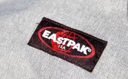 Genève/Switzerland-09 09 18 : Logo est d'école de paquet de sac à dos de sac d'Eastpak photo stock