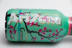 Genève/Switzerland-16 07 18 : thé de glace de thé vert de l'Arizona de bouteille avec du miel Photos stock