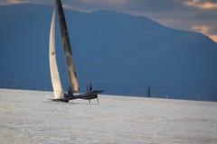 Genève Zwitserland - 10 06 2018: Bol D ` of de varende boot Petercam Degroof van Regattazwitserland M2 royalty-vrije stock foto