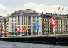 Genève, Zwitserland - Juni 05, 2017: Zwitserse Vlag en Vlag van Gen Royalty-vrije Stock Afbeelding