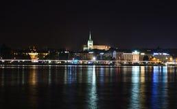 Genèvedomkyrkan i höstnatten Fotografering för Bildbyråer
