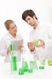 Genética - cientista no laboratório Fotografia de Stock