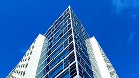 Gen Himmel errichtende Architektur Lizenzfreie Stockbilder