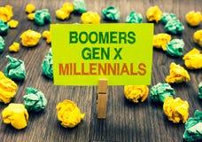 GEN X Millennials de los nacidos en el baby-boom del texto de la escritura de la palabra Concepto del negocio para que considerad fotos de archivo libres de regalías