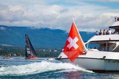 Gen?ve/Schweiz 10 05 2019: Stor schweizare för turist för leman för trans.fartyggeneva sjö arkivbilder