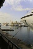 Genaral sikt av Barcelona, Spanien industriell hamn Royaltyfri Foto