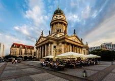 Gendarmenmarkt广场的德国大教堂在柏林,德国 图库摄影