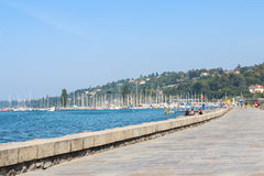GENEBRA - 7 DE SETEMBRO: Margem lago Genebra o 7 de setembro, 2 Imagens de Stock Royalty Free