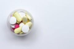 geneeskunde op een witte achtergrond Stock Afbeeldingen