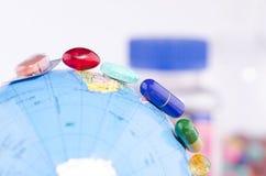Geneeskunde over de hele wereld Stock Afbeelding
