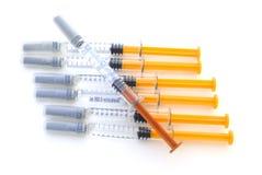 Geneeskunde in spuiten Stock Fotografie