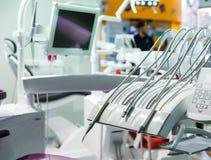 Geneeskunde, tandarts, de stomatologie, tandzetel niemand stock afbeeldingen