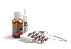 Geneesmiddelen die op wit worden geïsoleerda Stock Afbeeldingen