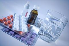 Geneesmiddelen voor griepbehandeling. Royalty-vrije Stock Afbeeldingen