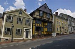 Geneigte Häuser Stockfotos