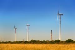 Generación sostenible de la energía eólica Fotos de archivo