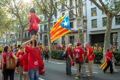 Generaciones manifasteting el ingependence de Cataluña Imágenes de archivo libres de regalías