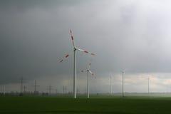 Generador del molino de viento en yarda ancha Foto de archivo