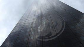 General Electric-embleem op een wolkenkrabbervoorgevel die op wolken wijzen Het redactie 3D teruggeven Royalty-vrije Stock Foto's