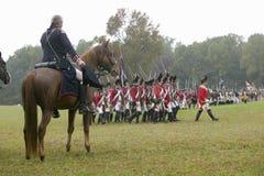General George Washington saluda la columna británica Foto de archivo libre de regalías