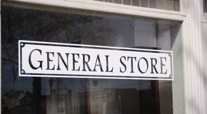 General Store. A General store offers customers a fast, quick and easy way to purchase food, drinks, snacks, batteries, toiletries and other groceries and Stock Image