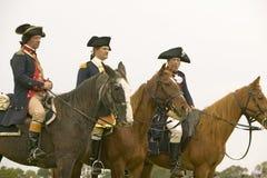 Generale Washington aspetta con il personale per marciare per cedere il campo al 225th anniversario della vittoria a Yorktown, un Fotografia Stock