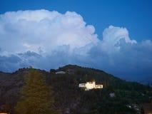 Generalife von Alhamabra im stürmischen wather mit Blitz Stockbilder