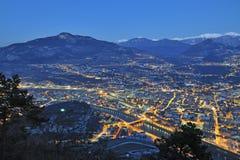 Generalità di Trento nella notte fotografie stock libere da diritti