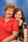 Generaties - gelukkige grootmoeder en kleindochter royalty-vrije stock foto's