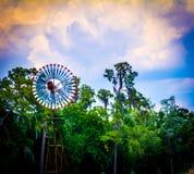 Generatore eolico in alberi Fotografia Stock