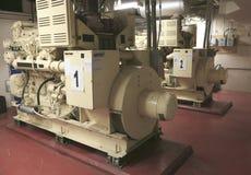 Generatore industriale elettrico dentro la centrale elettrica Immagini Stock Libere da Diritti