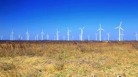 Generatori di energia eolica video d archivio