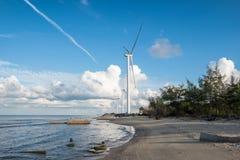 Generatori di generatori eolici sulla riva del mare in Nakhon Si Thammarat Fotografia Stock